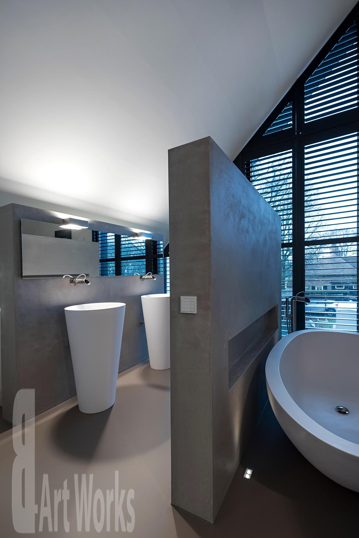 Gietvloer in uw badkamer zijn warm en zacht onder de voeten